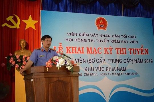 Đồng chí Trần Công Phàn, Phó Viện trưởng VKSND tối cao phát biểu chỉ đạo tại buổi lễ
